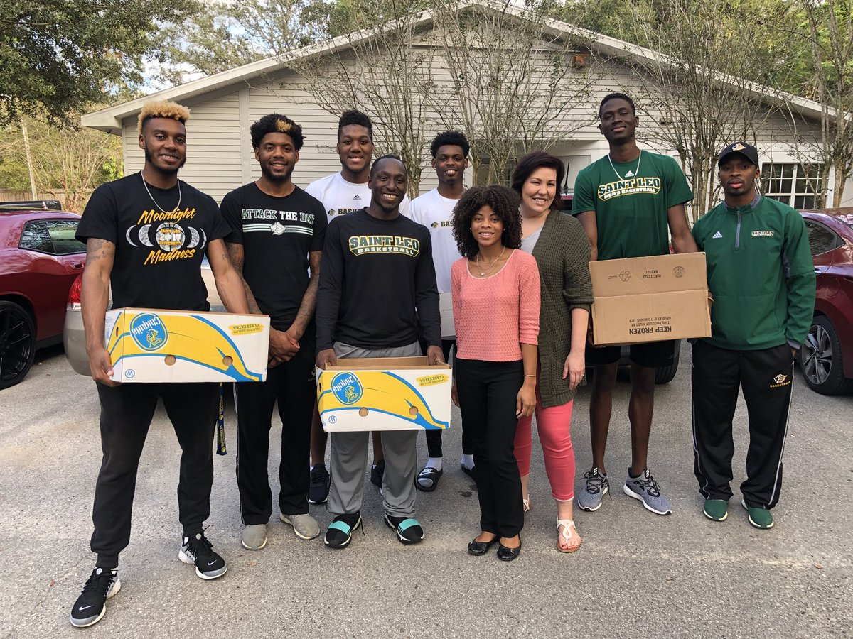 It's always bigger than basketball. Thank you to @Walmart for donating food and helping @SaintLeoMBB give Dade City and Wesley Chapel residents a great thanksgiving #Community #AttackTheDay<br>http://pic.twitter.com/qGCdyBqmh3