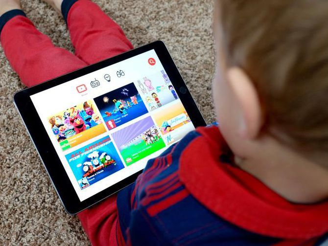 How to make YouTube Kids safer for your kids  https:// buff.ly/2mmNIpX  &nbsp;   | Cnet #YouTube #YouTubeKids #KidsOnline #OnLineSafety #internetsafety<br>http://pic.twitter.com/mBeBD2EmLF