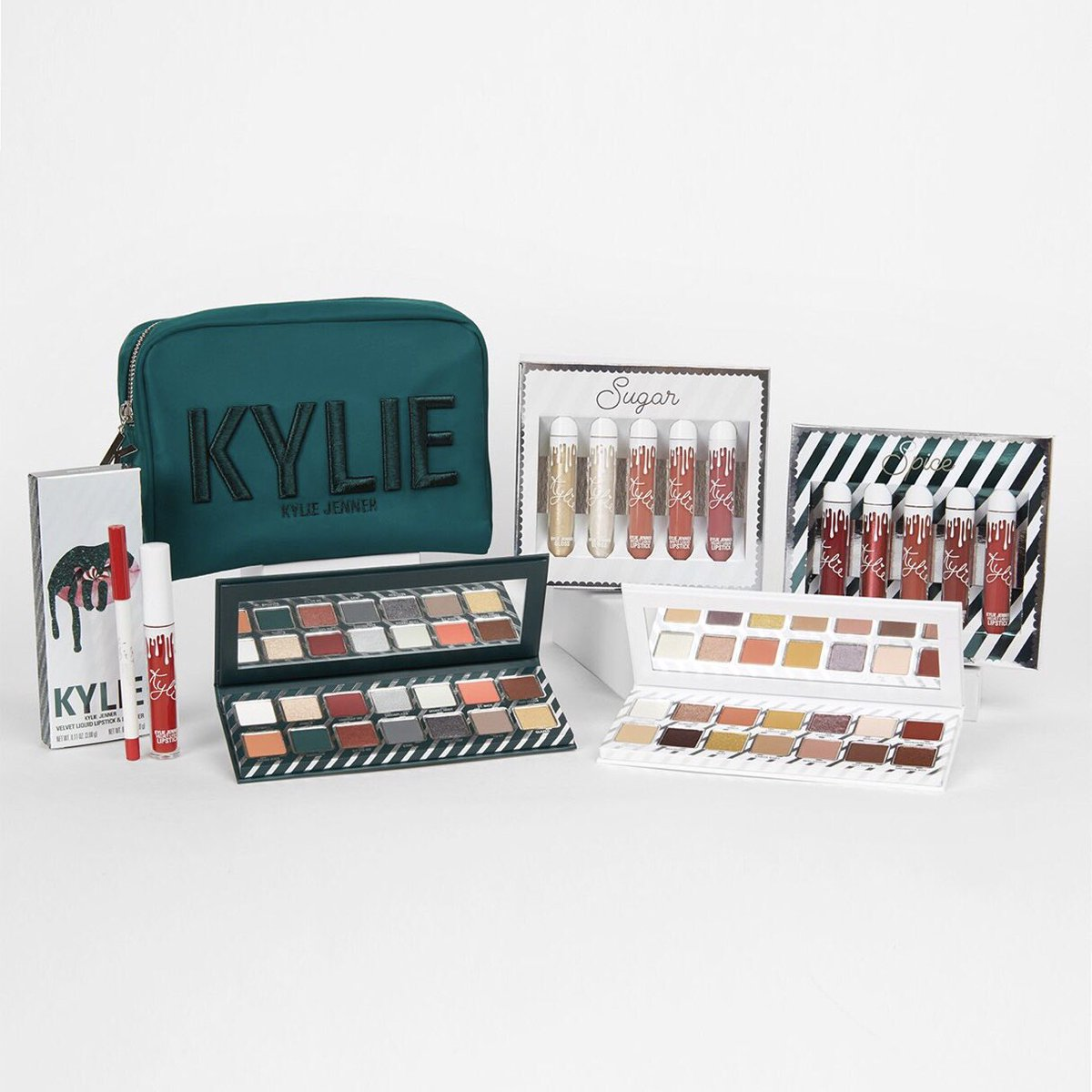 kylie cosmetics on twitter we are live with the holiday collection free worldwide shipping httpstcorkt2b8jjl5 holiday2017