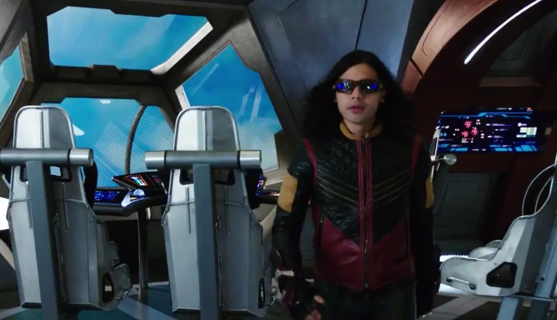 I never get tired of seeing Cisco suited up as Vibe WOW! #TheFlash  #CiscoRamon #CarlosValdes #Vibe #CrisisOnEarthX<br>http://pic.twitter.com/wUVtEu7QXx