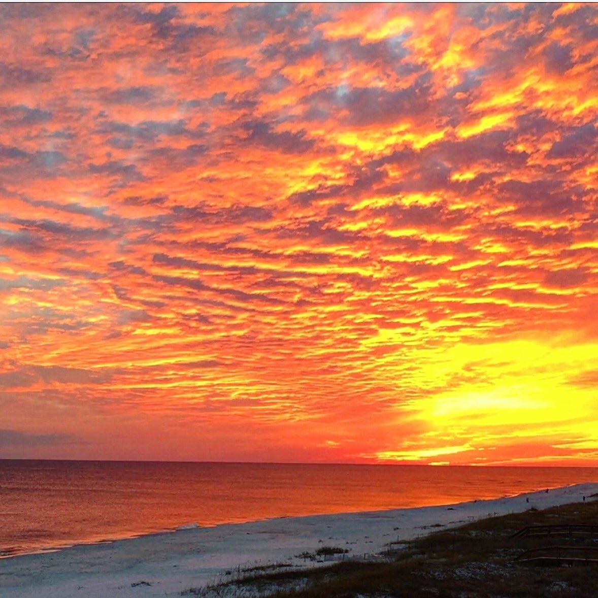 RT @Myscoopus: What a sunset in Perdido Key @spann #lovefl #sunset #perdidokey https://t.co/CeCfwwwfYS