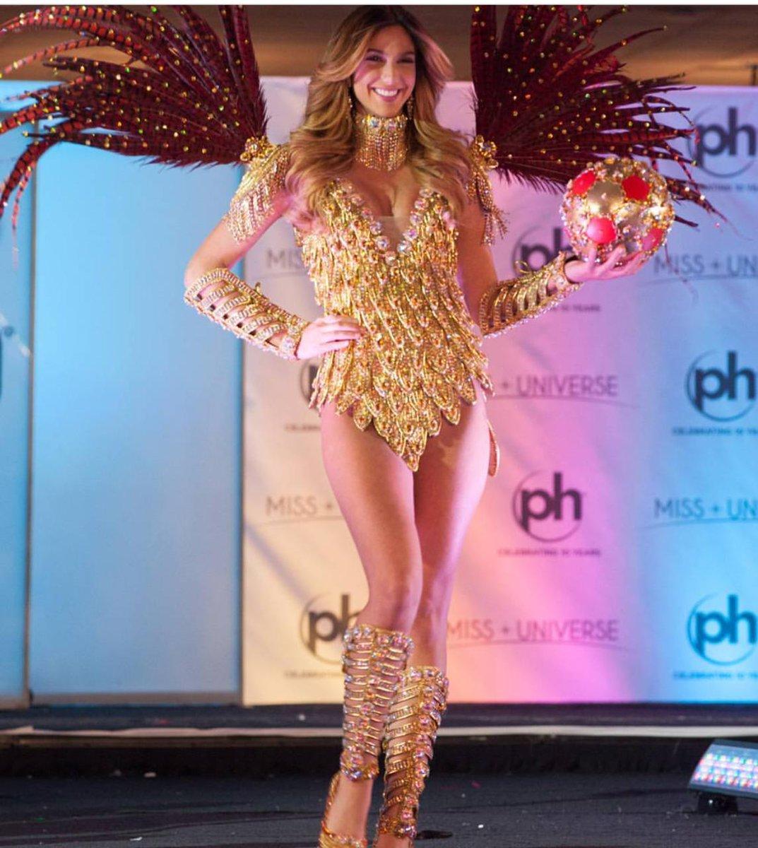 Bella lala land #MissUniverse #Panama pic.twitter.com/s0nM5DSkga