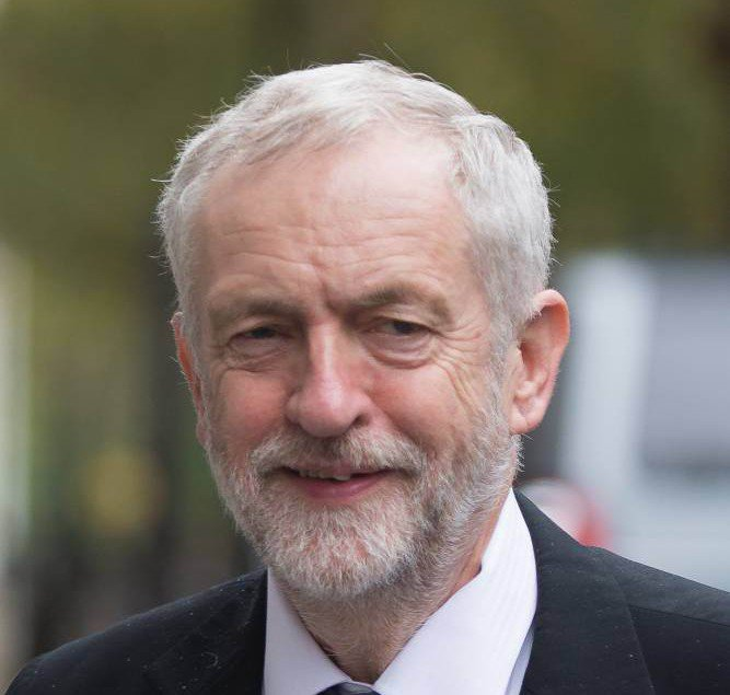 Attacking #Corbyn by alleging he is pro-Brexit sabotages the chances of a viable alternative to a pro-Brexit Tory government  #Brexit #Regrexit #Fixit #StopBrexit #ExitFromBrexit   https://www. facebook.com/notes/rajan-na idu/attacking-corbyn-by-alleging-he-is-pro-brexit-sabotages-the-chances-of-a-viable-/10155880964834450/ &nbsp; …  #JC4PM<br>http://pic.twitter.com/nw6QhbPtVO