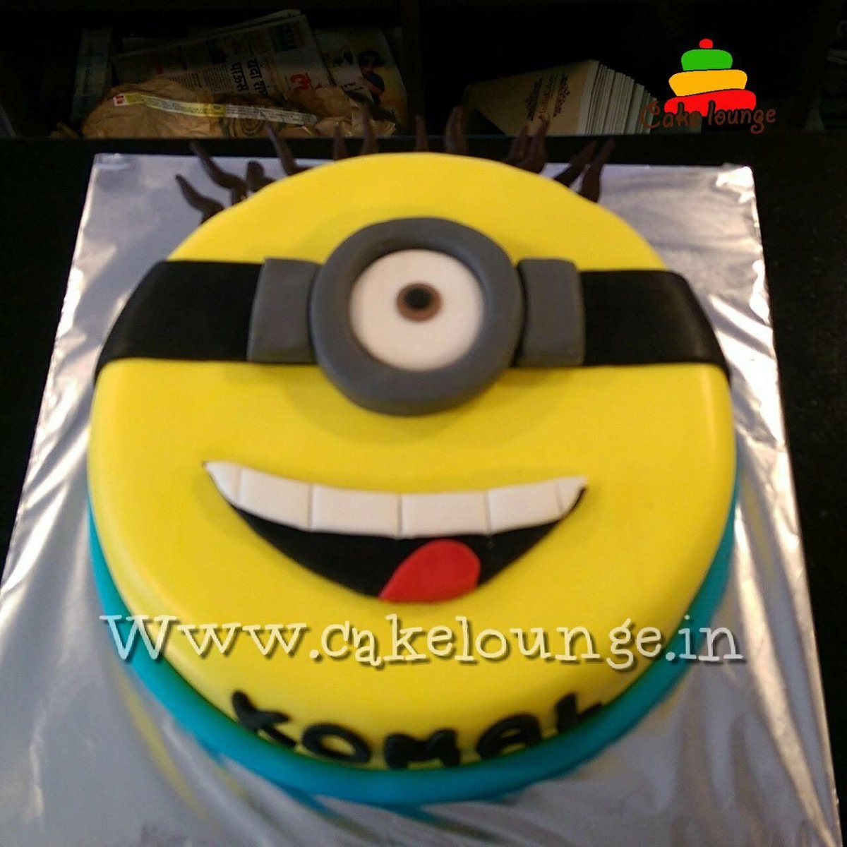 Cakelounge On Twitter Serve Up The Cutest Minion Cake At Your