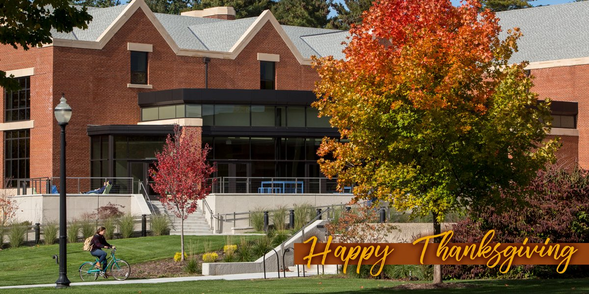 Happy Thanksgiving from @Hope_Basketball to ALL of our  family and friends. #BeSafe #BeThankful #Eat2Win <br>http://pic.twitter.com/7s12PlS4kY