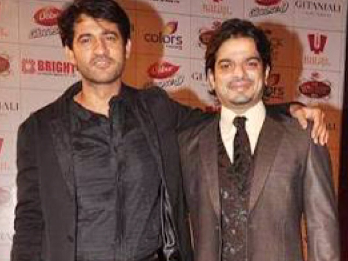 When in life comes another birthday, live it up like you always do @TheKaranPatel . Every day is a celebration with you bro, wishing you a very #happybirthday and never ending days of jamboree. Best wishes, #hitentejwani <br>http://pic.twitter.com/qknPTFa5ag