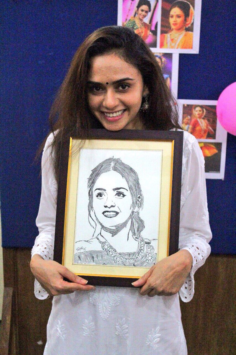 @AmrutaOfficial For me Nothing is Priceless than this..  The Moment... The #Smile On your face is the most important thing for me..!!  Happy Birthday #Amu   #HBDAmrutaKhanvilkar<br>http://pic.twitter.com/NX8GNEwCTg