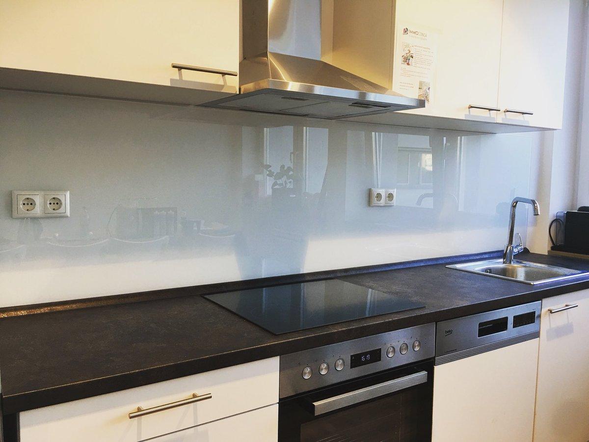 #küche #pimpyourkitchen #rückwand #glasspiegel #fugenlos #nofliesen  #glasnachmass #wirerfüllenkundenwünsche #interiordesign #odenwaldglas  #darmstadt ...