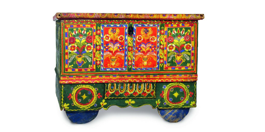 Ideal for the bride! In the picture a dowry chest. Before 1945, Skawina, Poland. #FolkloreThursday #wedding #folk<br>http://pic.twitter.com/ZNHCDwJKaV