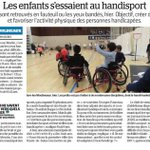 """[Lu @LeParisien_92 / @Anthony_Lieures] """"Les enfants s'essaient au #handisport"""" au Palais des Sports d'@Issylesmoul"""