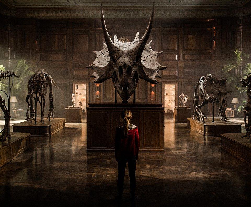 The first footage from #JurassicWorldFallenKingdom has been unveiled online: https://t.co/WLQnb3ZvRL
