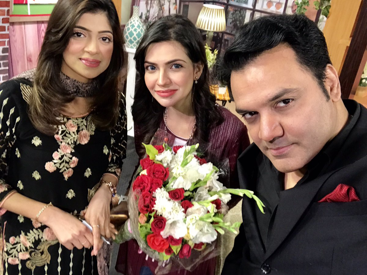 Celebrating my Birthday LIVE on #AAJNews in #GoodMorningAaj. Presented by talented #SabaSheikh &amp; #AnumKazmi. #HappyBirthday #Pakistan #UK #ThursdayThoughts<br>http://pic.twitter.com/7Tanglwztd