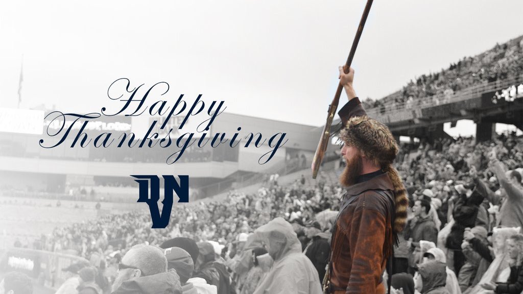 Happy Thanksgiving from our family to yours! Wishing everyone and safe and blessed holiday! Let&#39;s Go Mountaineers!!!  #WVU <br>http://pic.twitter.com/BzQ9NctM1b