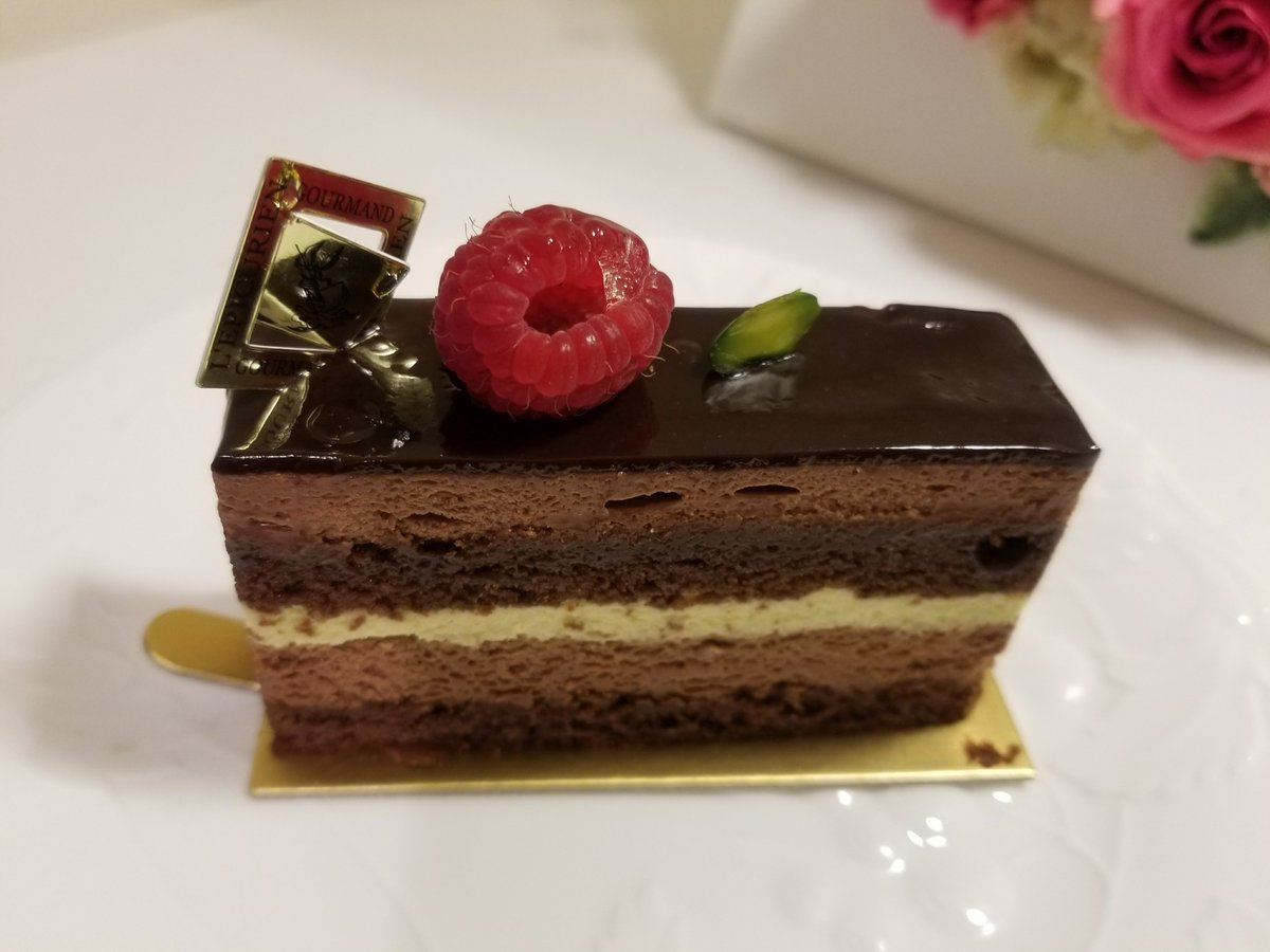 L&#39;Epicurien: Regalade, definitely good cake  http:// tokyocakerunner.blogspot.jp/2017/11/lepicu rien-regalade.html &nbsp; …  #LEpicurien #Tokyocake #東京ケーキ #Regalade #Patisserie <br>http://pic.twitter.com/NmPQOv2Zfu