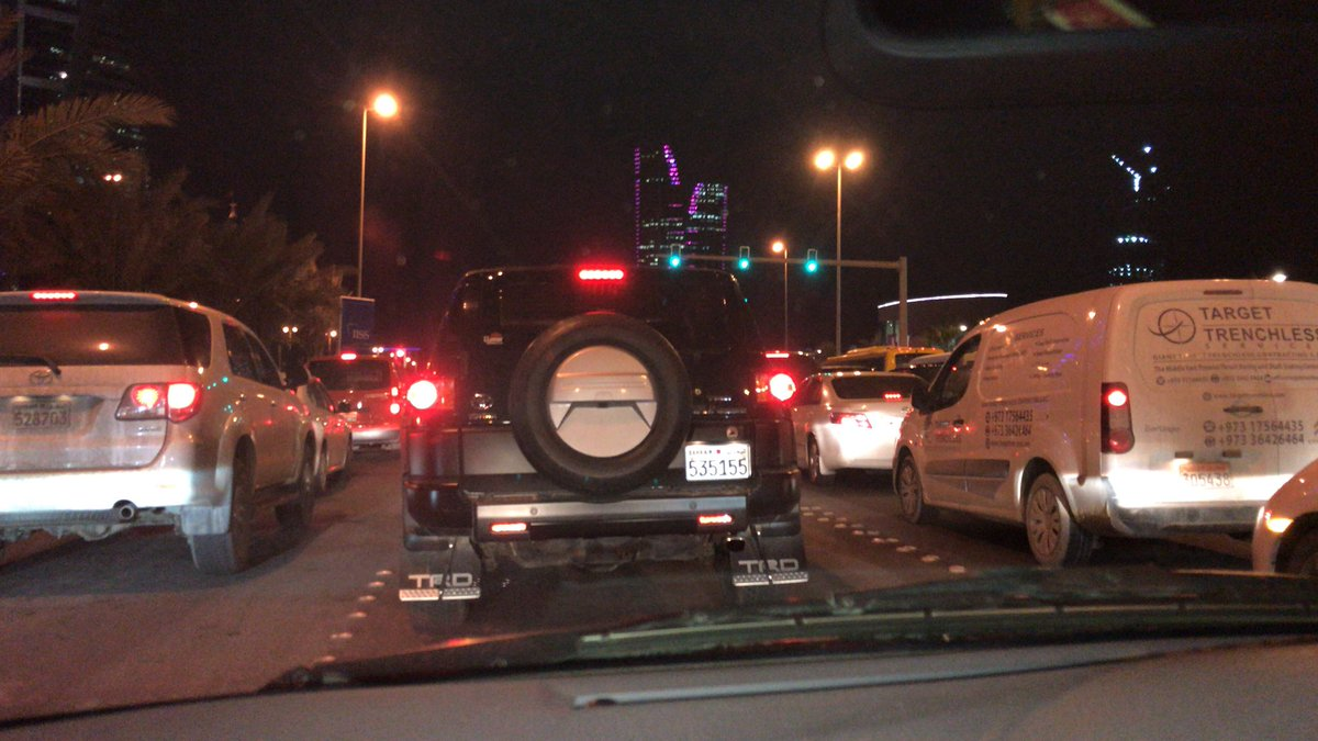 Slow moving traffic  @ manama #Crawling ... <br>http://pic.twitter.com/tabXgcGhzn