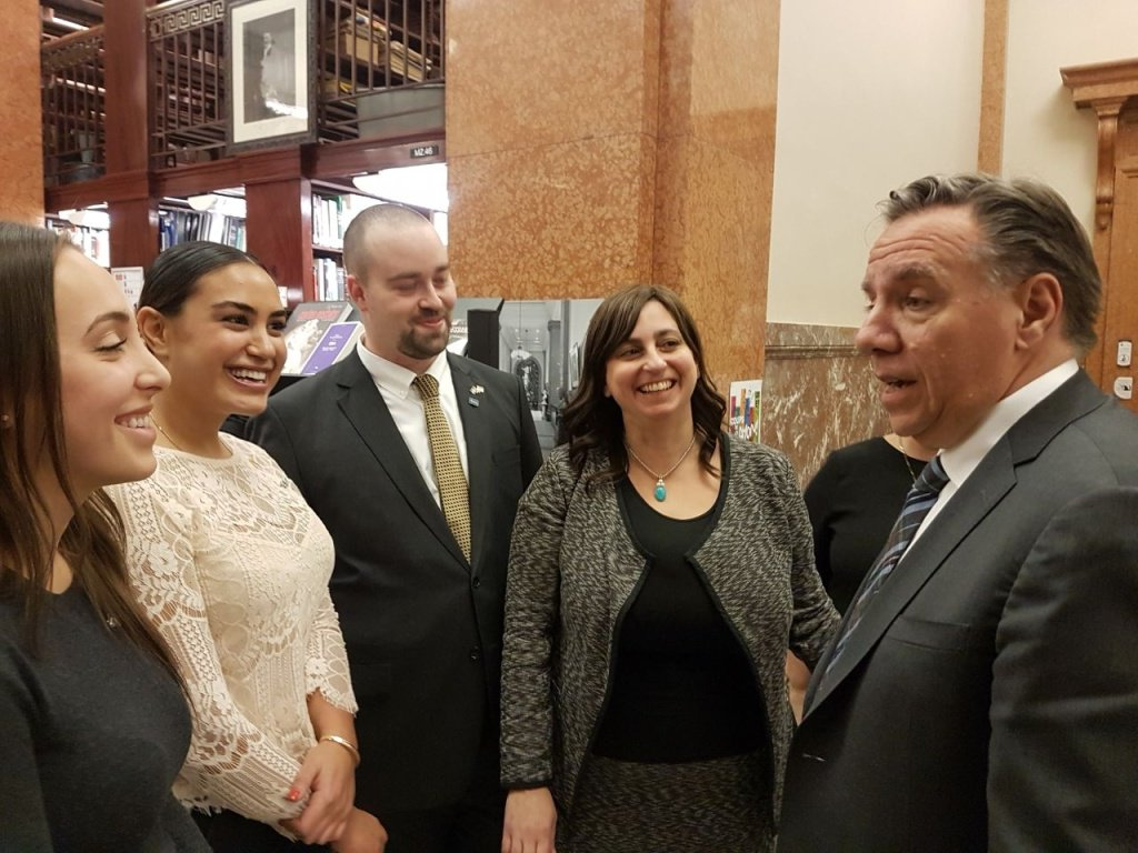 What an honour to have met @francoislegault last night at the library of the @AssnatQc, at the annual cocktail of the Jewish community at the National Assembly and to hear his ambitions for a strong Québec within a strong Canada! #CAQ @assnat #polqc <br>http://pic.twitter.com/7iaJmq8aXa