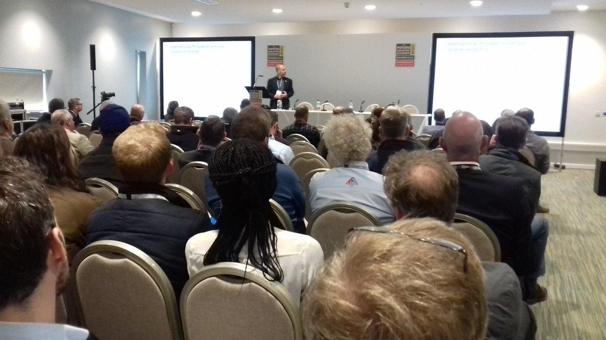 Prof. Ian Toth @JamesHuttonInst @IPMHutton presents to a packed seminar room @BP2017Harrogate #Research #Innovation #PlantPathology #Blackleg<br>http://pic.twitter.com/sCOzGu66CP