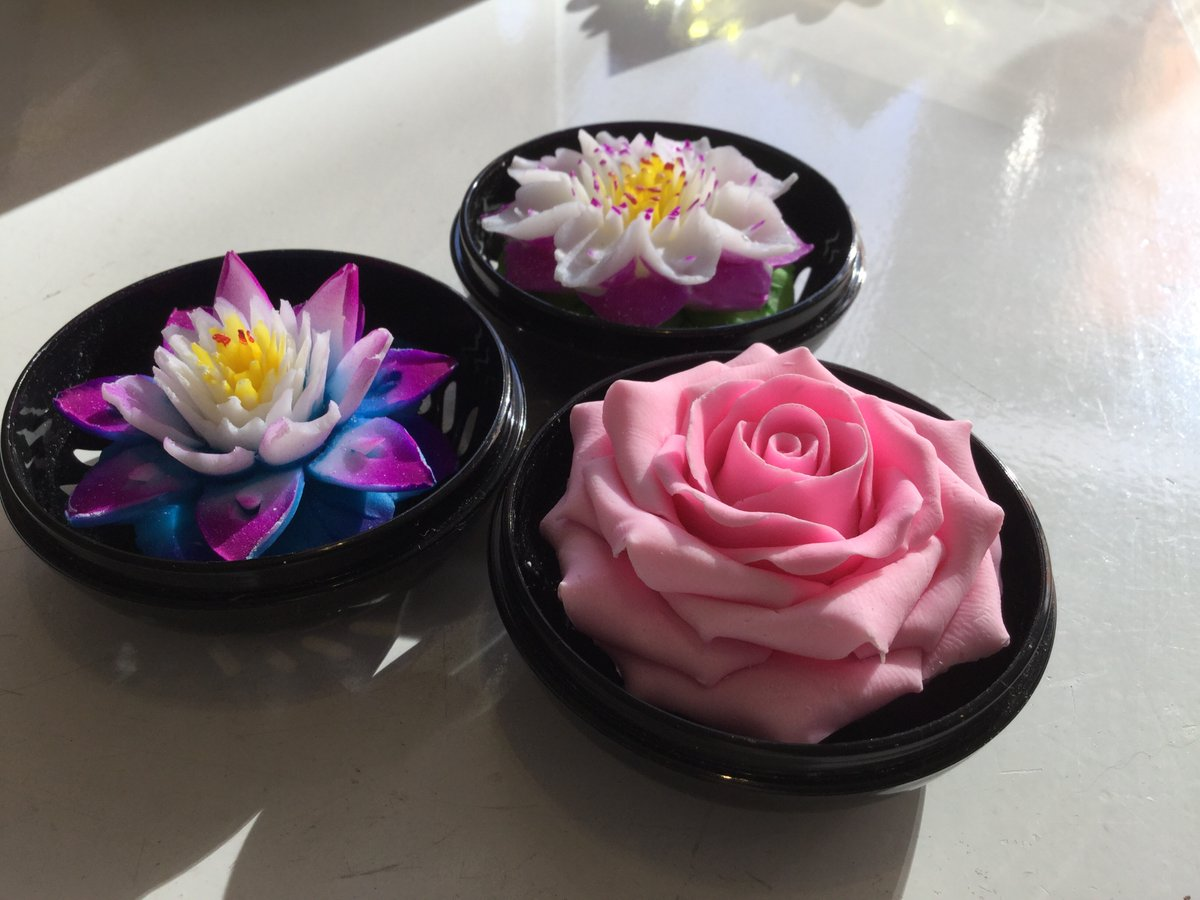 Gorgeous #gifts. Handcrafted soaps in a range of flower shapes #flowerpower #soap #gift<br>http://pic.twitter.com/dHdMrZIMsD