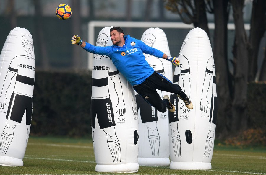 Preparation for Saturday´s match against #Cagliari Calcio photo  here      https://www. facebook.com/pg/InterClubSl ovakiaOficial/photos/?tab=album&amp;album_id=1916127505067444 &nbsp; …     #Inter #CagliariInter #interclubslovakia<br>http://pic.twitter.com/2sa0iTe5gN