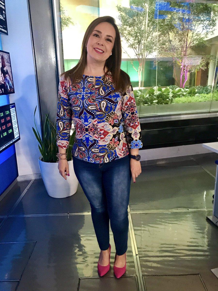 Raquel Méndez Avalos On Twitter Blusa Estampada Y Suéter Rojo Lieb