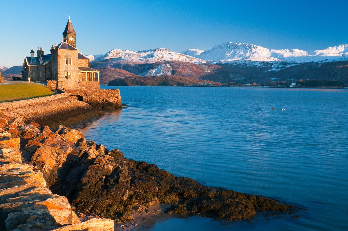 #Wales is a country in southwest Great Britain known for its rugged coastline, mountainous national parks, distinctive Welsh language and Celtic culture. @PrinceHRHGeorge @kokzviana #travelspoc #travel #tourism<br>http://pic.twitter.com/sK8psY8Iow