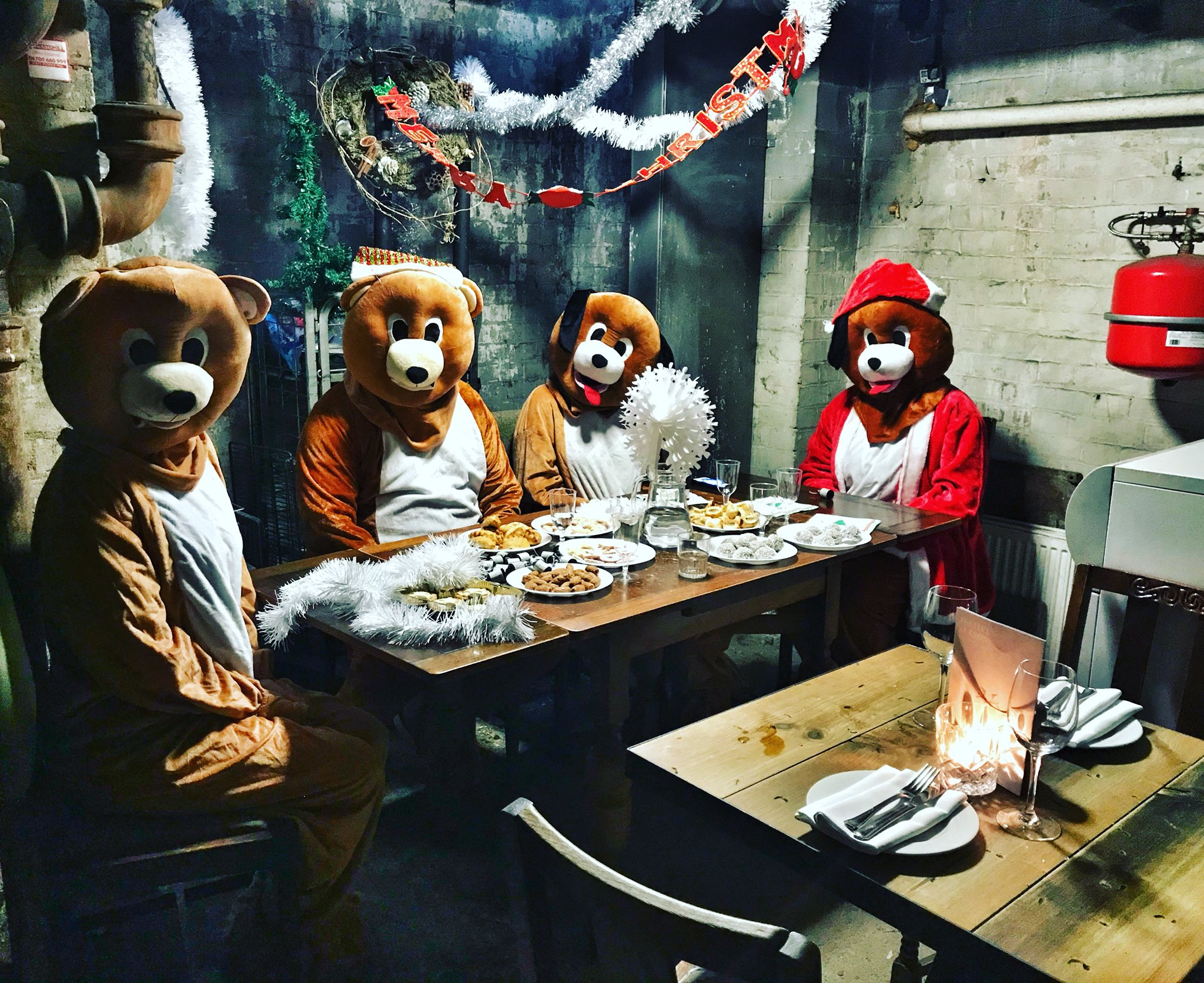 The #ShadyCabal Xmas party was a triumph. https://t.co/1RBwh9mgdv