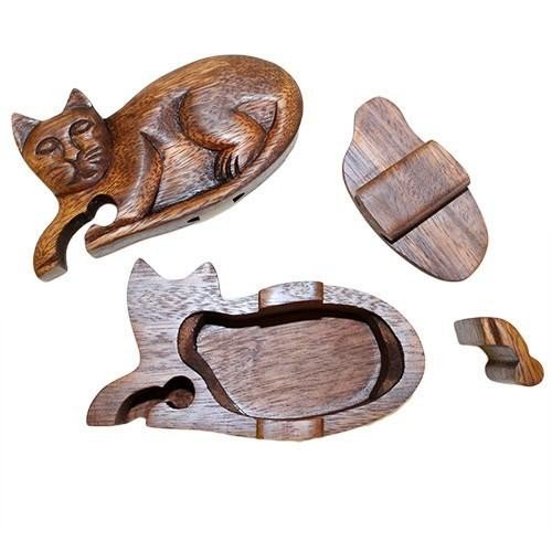 These fabulous handmade #cat puzzle boxes from Bali are great for keeping your treasures safe!   http:// crwd.fr/2mMWCgy  &nbsp;   #womaninbiz #giftideas <br>http://pic.twitter.com/YgdgMwxOmE
