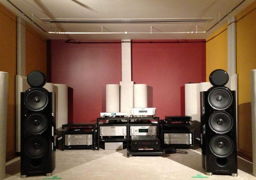 kef 207. #kef reference 207/2 #speakers driven by #bryston and #arc electronics, - in piano black lacquer, #mcintosh mc601 #monos, c2300 tube #preamp kef 207