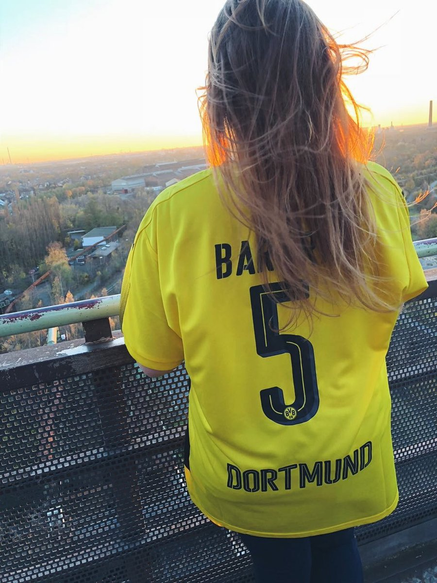 Forever ∞ i support you on the pitch but also as the human you are. #hero @MarcBartra #echteliebe #BVB #españa<br>http://pic.twitter.com/pq4FPOHBJ0