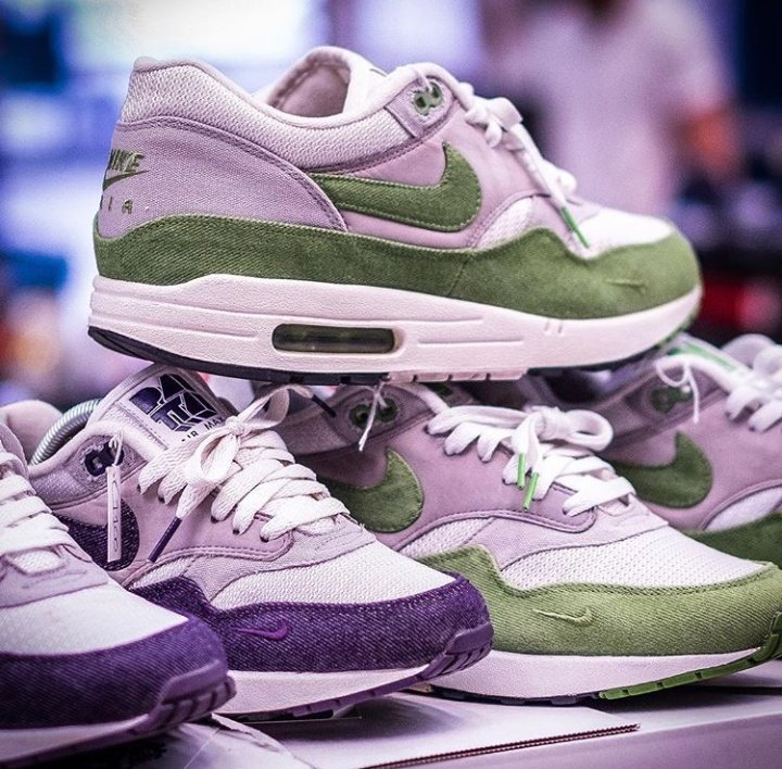 Patta x Nike Air Max 1 Premium Tier Zero Purple Denim (2009) Or Patta x  Nike Air Max 1 Premium Tier Zero Chlorophyll  (2009)pic.twitter.com YOxfhyC6Ae 2fb94842de