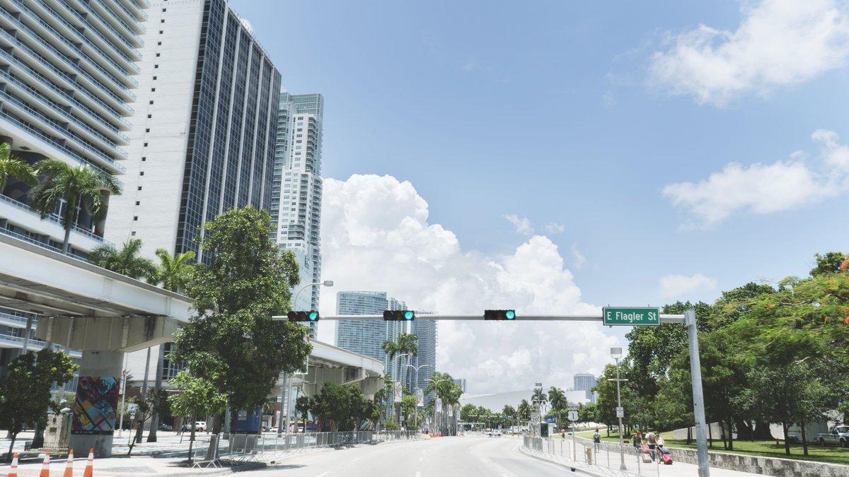 Je pars découvrir #Miami par quartiers, retour sur ma visite de Downtown durant le All Star Fanfest     http:// ow.ly/ygZN30gFWca    pic.twitter.com/gbm7goLKrX