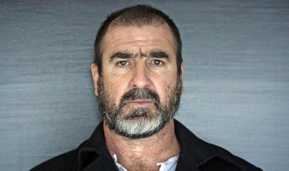 Cantona : «J'adore Pastore ! Il joue pour l'Argentine, un grand pays, mais il ne joue pas à Paris, un petit club. Mais ils ont beaucoup d'argent, donc c'est un grand club.»