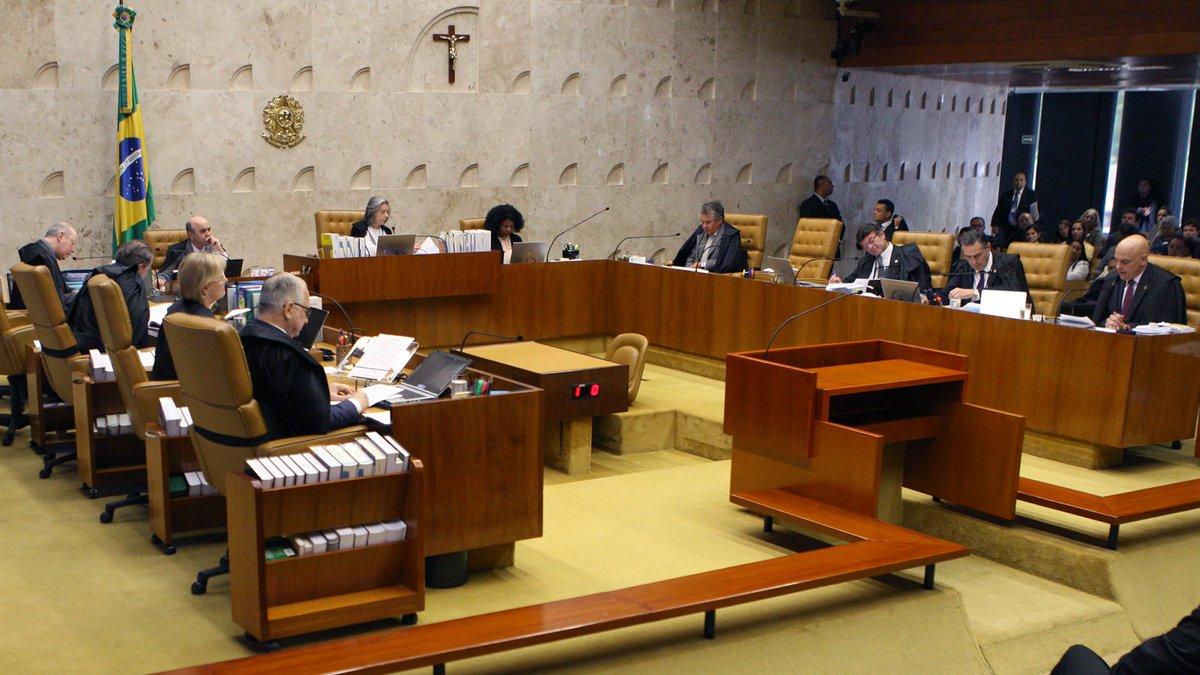 Maioria do STF vota pela restrição ao foro privilegiado para parlamentares https://t.co/5rWmKDRqko