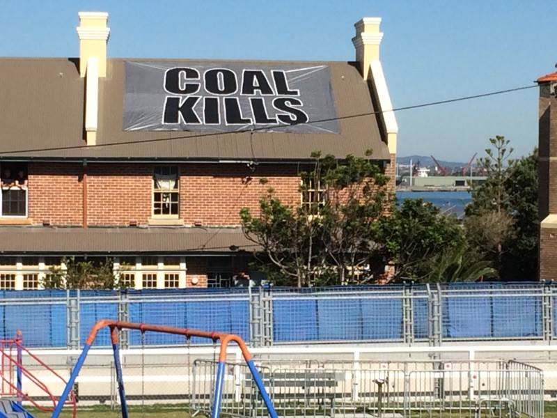 Newcastle is making the most of being on the world stage #climate #coal #Newcastle500<br>http://pic.twitter.com/4R80Wq05l8