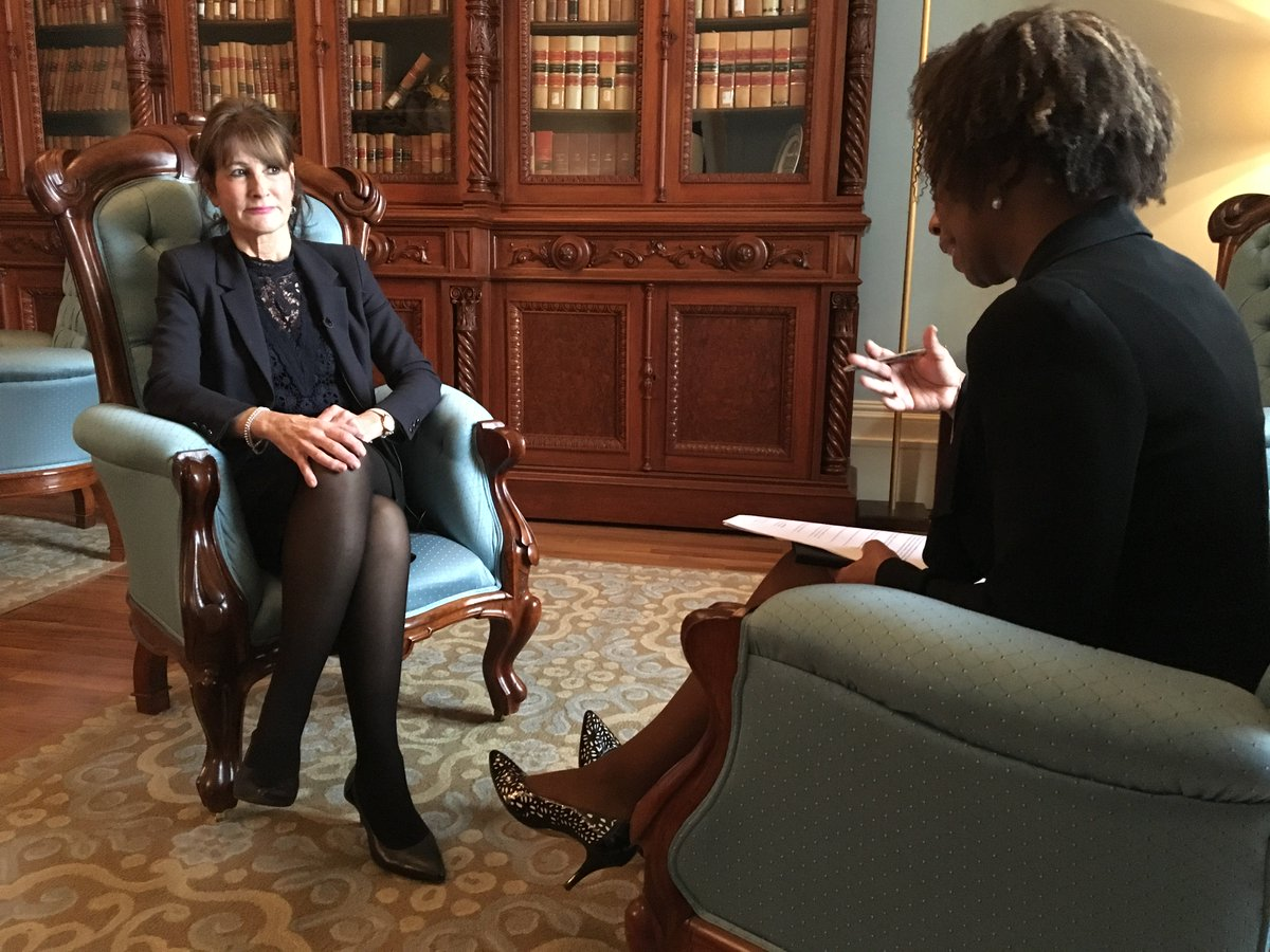 .@CTVMontreal exclusive: A one-on-one interview with Minister @Kathleen_Weil &amp; new details on the secretariat for Quebec&#39;s English-speaking community. Coming up at 6:00. #assnat #polqc #qcpoli<br>http://pic.twitter.com/6909MZ2wa8