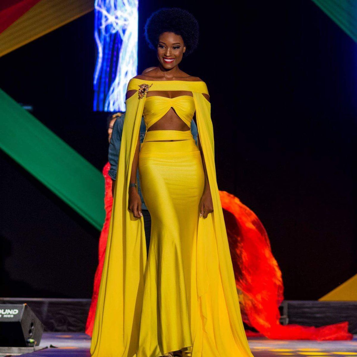 Guys, RT to vote for #MissUniverse #Jama...