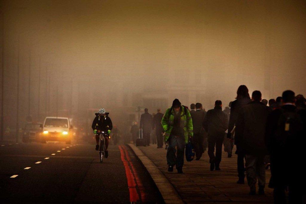 "Delhi ""It's a hellscape"" #Climate Catastrophe #StopAdani  https:// jpratt27.wordpress.com/2017/11/24/del hi-its-a-hellscape-climate-catastrophe-stopadani/ &nbsp; … <br>http://pic.twitter.com/Z1ntWuXxJ1"