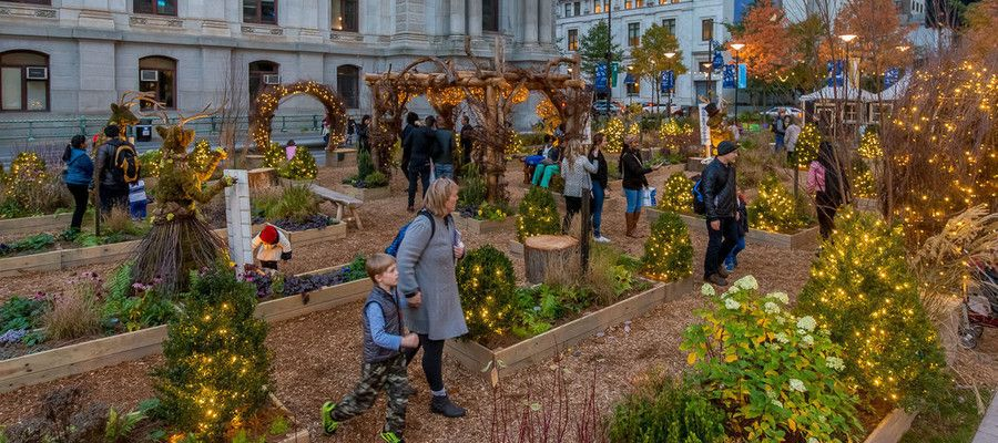 America's Garden Capital Maze #Dilworth Plaza | @PhillyBite Magazine  a holiday-inspired garden created in partnership with Greater #Philadelphia Gardens and supported by #TempleUniversity Ambler. See More:  https:// buff.ly/2B636t9  &nbsp;   <br>http://pic.twitter.com/enehE6MRrt