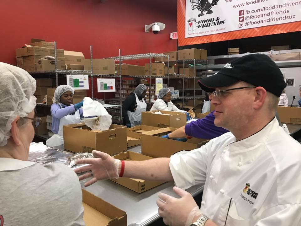 Food & Friends delivers cooked meals to 3,500 sick clients for Thanksgiving https://t.co/iCPwpgM8OX