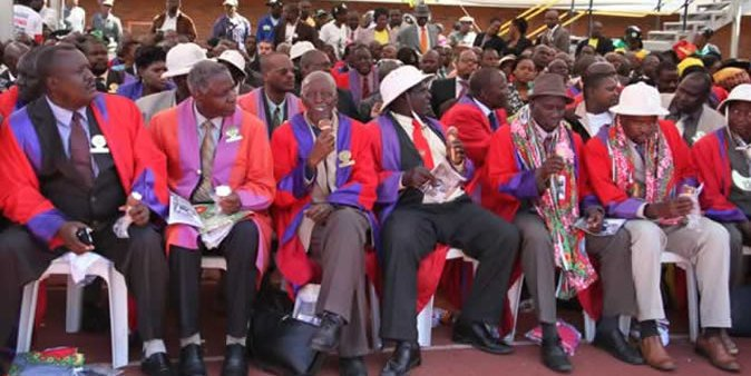 Traditional leaders in Matabeleland South province pledge support for Zimbabwe&#39;s incoming President Mnangagwa - 23 Nov 2014 #ZBCnews  =&gt; Chairperson of the Matabeleland South Chiefs Council, Chief Vezi Maduna <br>http://pic.twitter.com/9giYitYV3Y