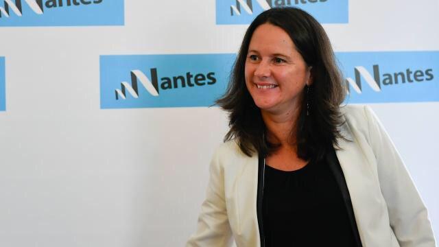 La maire offre gîtes et couvert aux ados #migrants #Nantes @Johanna_Rolland @nantesfr   https://www. ouest-france.fr/pays-de-la-loi re/nantes-44000/ados-migrants-la-maire-offre-gites-et-couvert-5399002  … pic.twitter.com/UlFwZYLWgy
