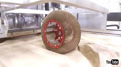 NASAがチェインメイルのようなタイヤを開発 岩石が多い火星をスムーズに走行でき...