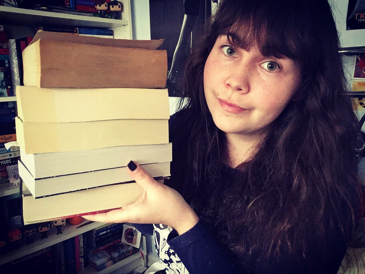 I'm back with a book haul! #booktube  https:// youtu.be/3aOIkZMFcCQ  &nbsp;  <br>http://pic.twitter.com/l4QSwXMYgv