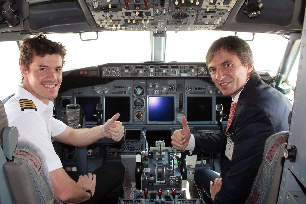 Resultado de imagen para flybondi cockpit