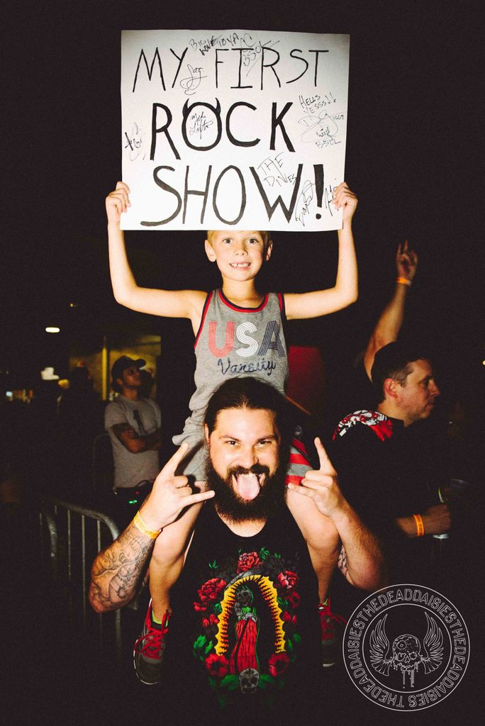 #FlashbackFriday Way to go, kid! Thanks for partying with us!  #Baltimore #LiveAndLouder #WorldTour #RockNRoll #Flashback <br>http://pic.twitter.com/oDbT940GTx