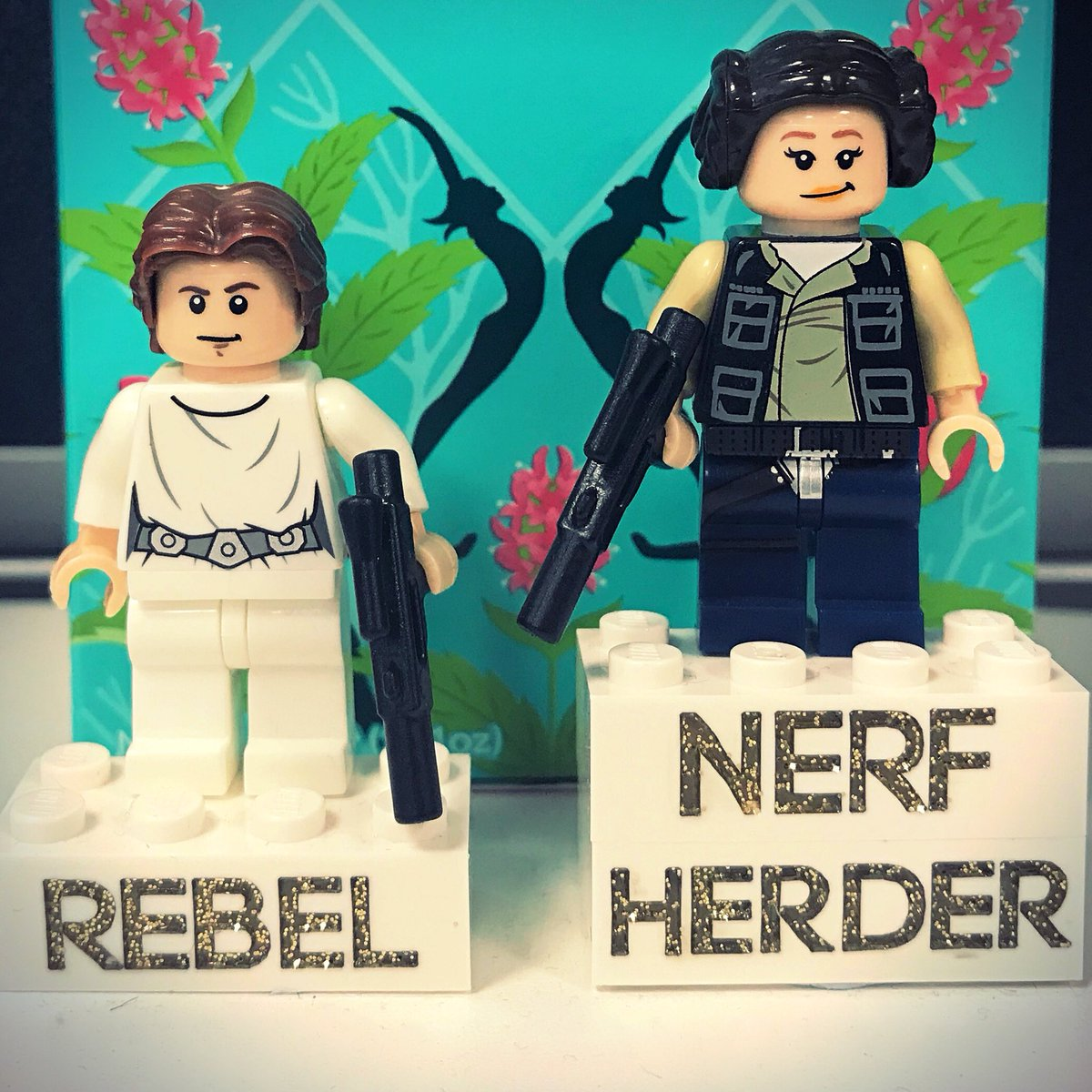 ...when you're having a slow day at work and the most exciting thing is swapping the heads on your #LEGO #StarWars #PrincessLeia and #HanSolo!  <br>http://pic.twitter.com/Q6PjcnGbMV