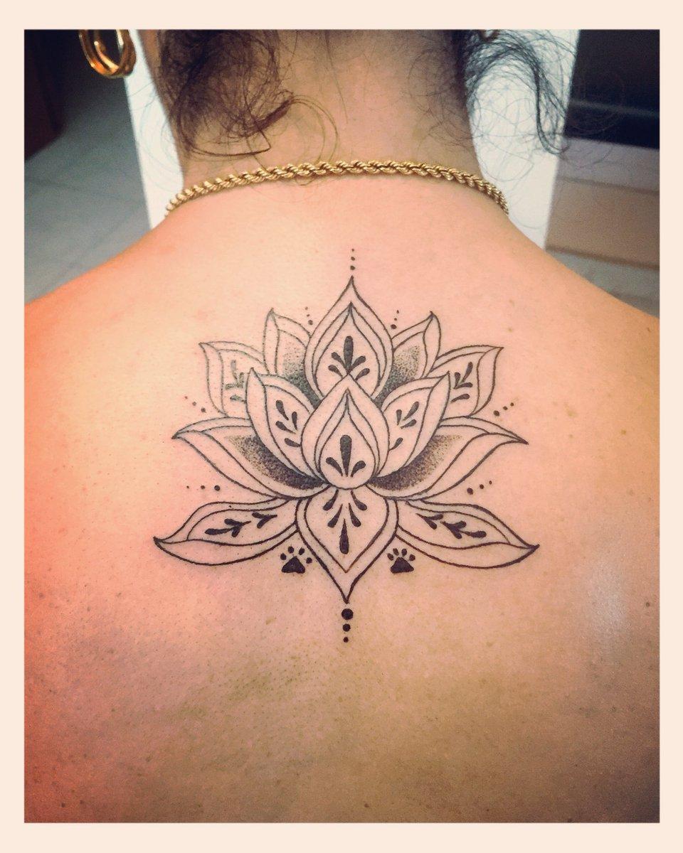 Whitemagic On Twitter Florecitas Tatuaje Tattoo Tattoos Flor