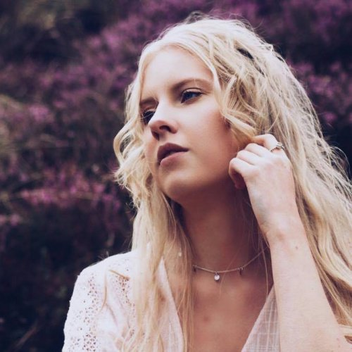 This weeks Top 5 emerging and self-releasing artists @megandixonhood @MegDHmusic @JulyJonesMusic @Gusharrowermusic @GusHmusic @PabloNouvelleMusic @_Champyons dlvr.it/Q2f5hS