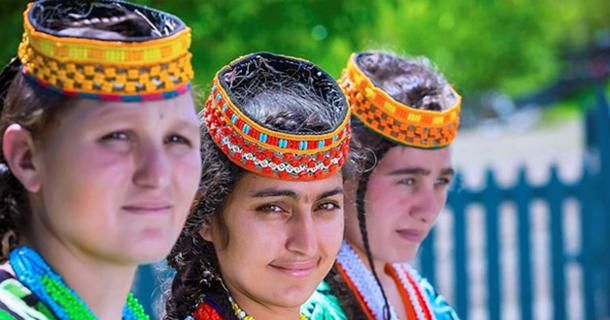 Are the Distinctive Kalash People of #Pakistan Really Descendants of Alexander the Great's Army?  -  https:// buff.ly/2zrZ5mK  &nbsp;   #history<br>http://pic.twitter.com/LGGhK7vvhq