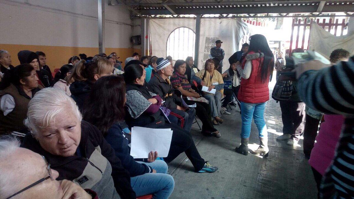 Dip. @IBetanzosMTDF iniciamos el mes de la #PazYArmonía con todo reunión avances de escrituración @Altagra54546947 , donación de Andadera, entrega de lentes gratuitos, las #BrigadasVoluntariasIBC día con día  de la mano de la gente @cgt1968 @eruviel_avila @TonatiuhGCase